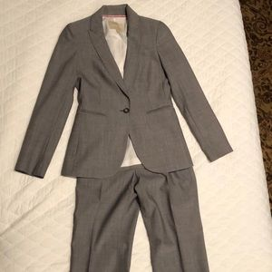 Like new - Banana Republic suit
